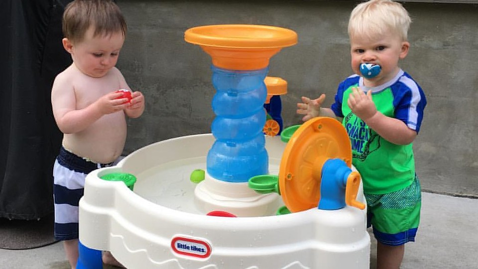 The 9 Best Water Tables for Toddlers in 2020 - Muddy Smiles