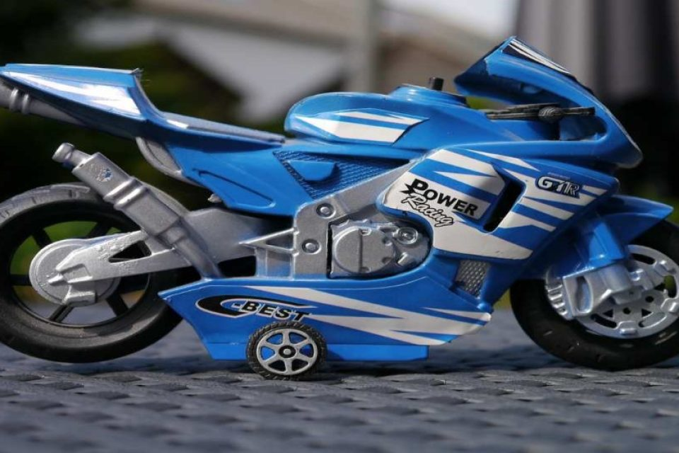 motorcycle-498728_1280-1